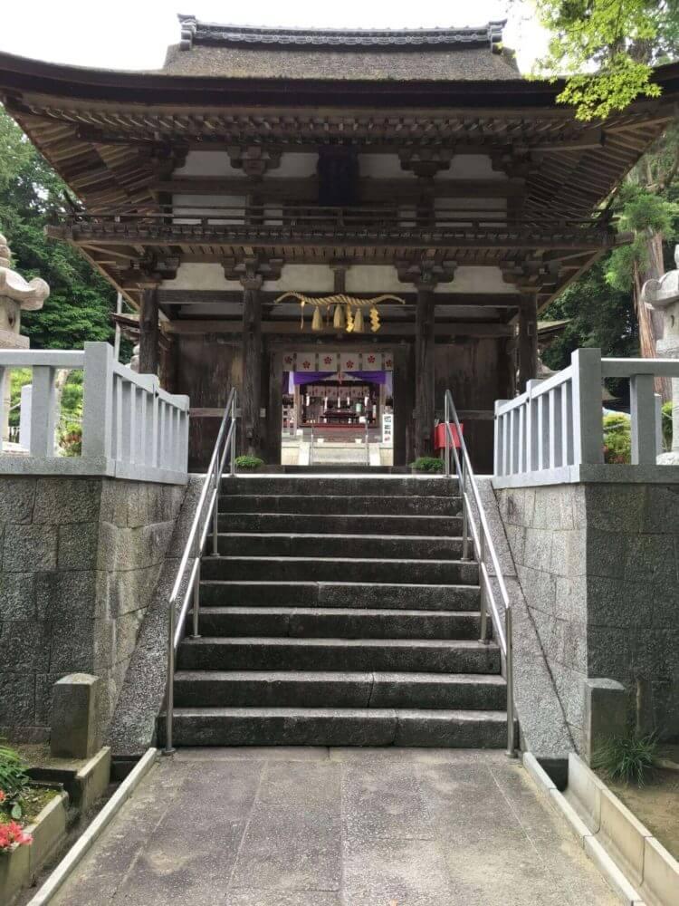 滋賀栗東・大野神社境内