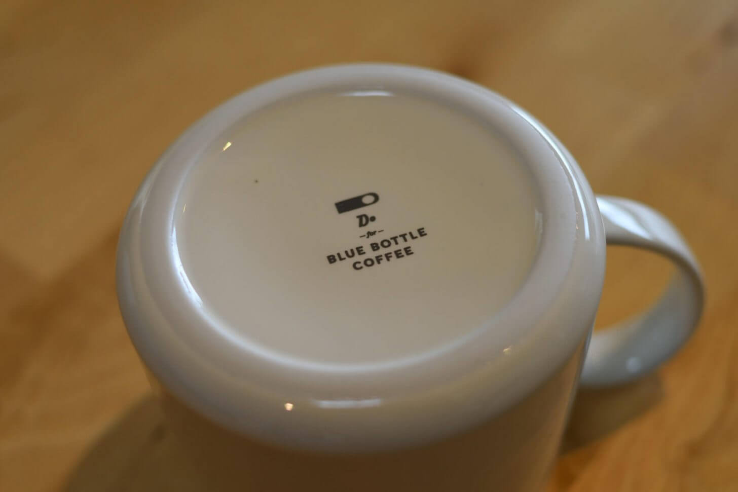 マグカップの裏