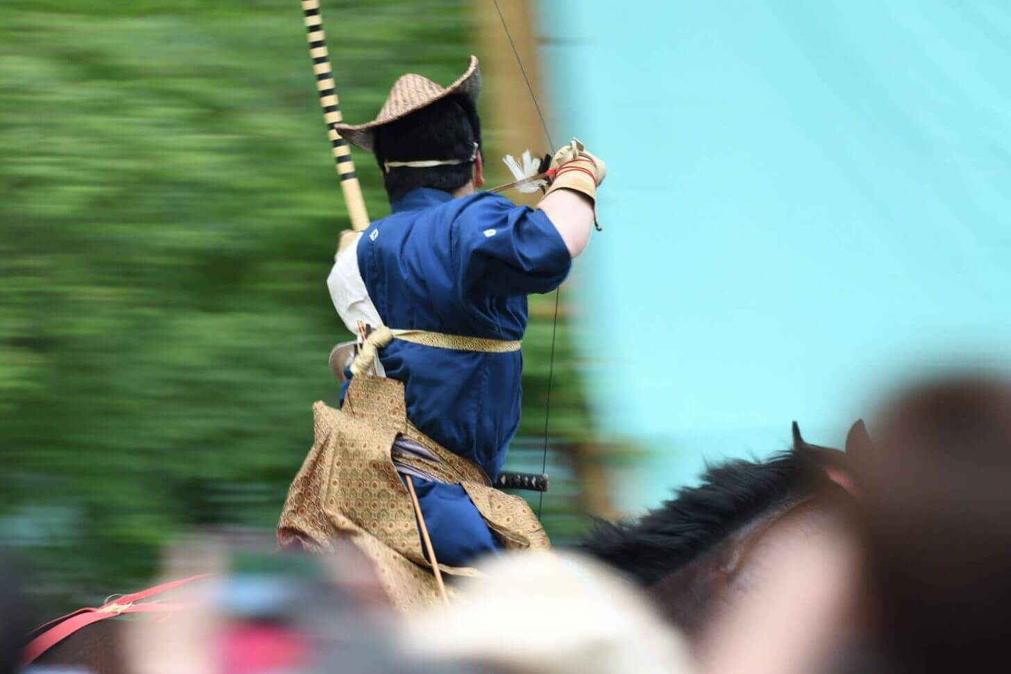 下鴨神社の流鏑馬を流し撮り