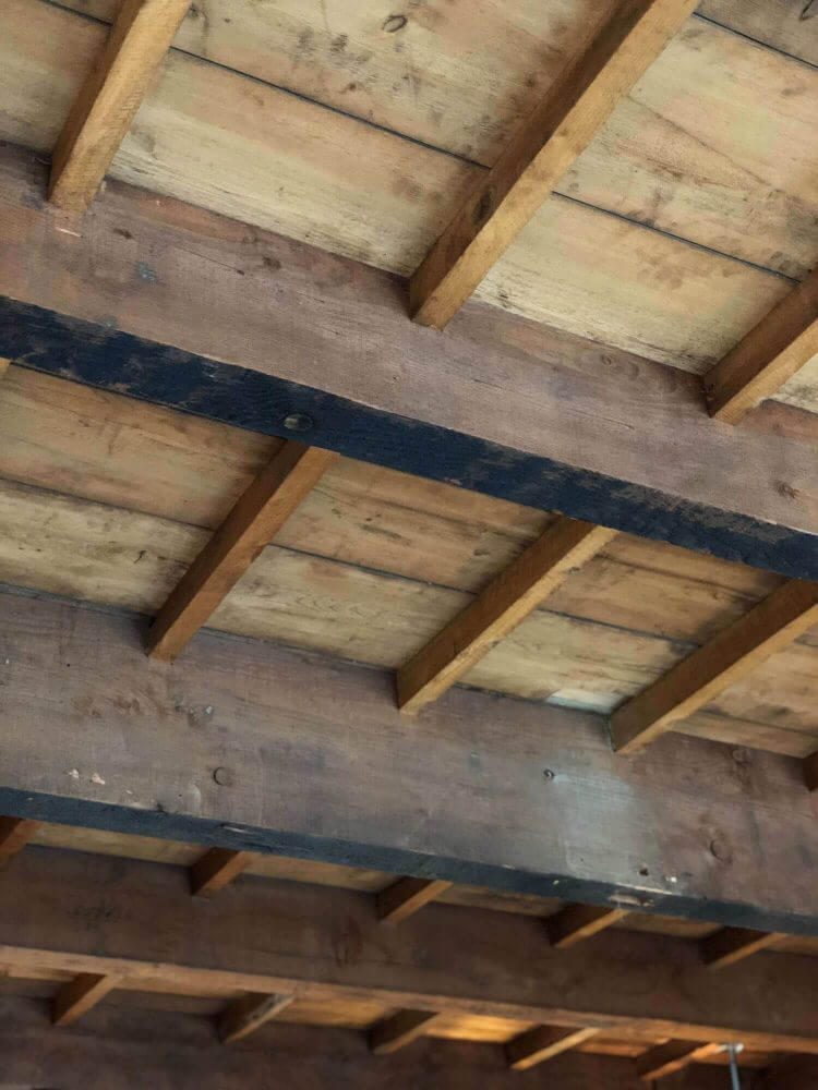 ブルーボトルコーヒー京都カフェ店内の天井