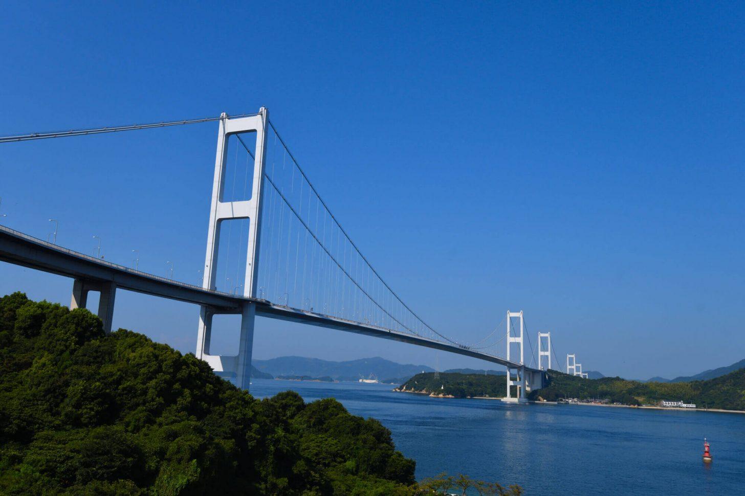 サンライズ糸山からの来島海峡大橋