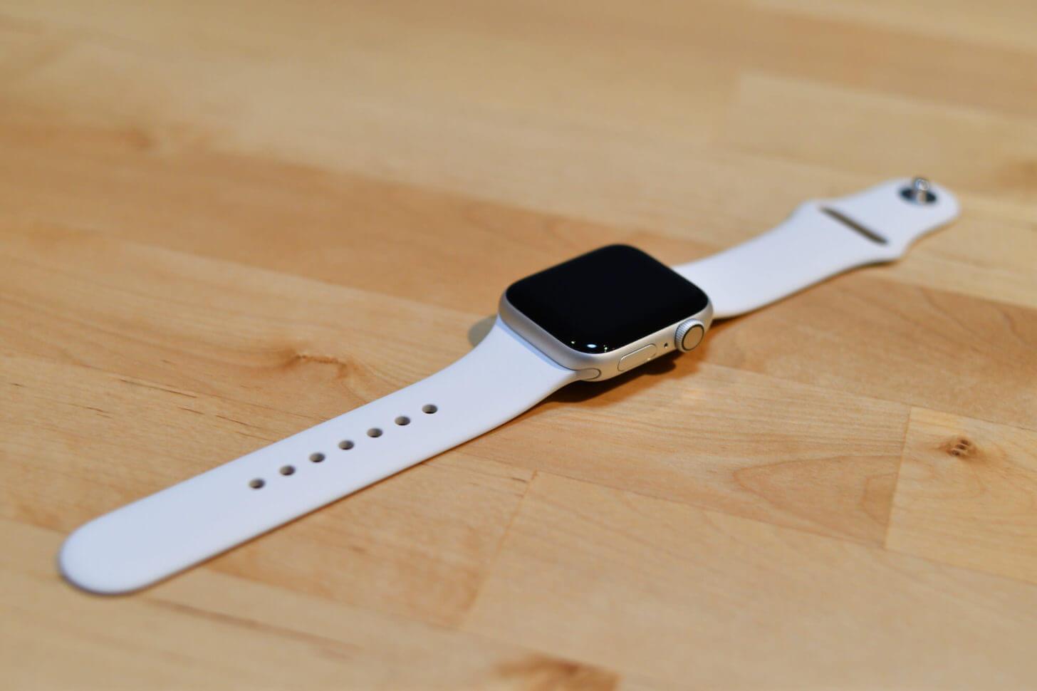 開封の儀を終えたApple Watch Series 4