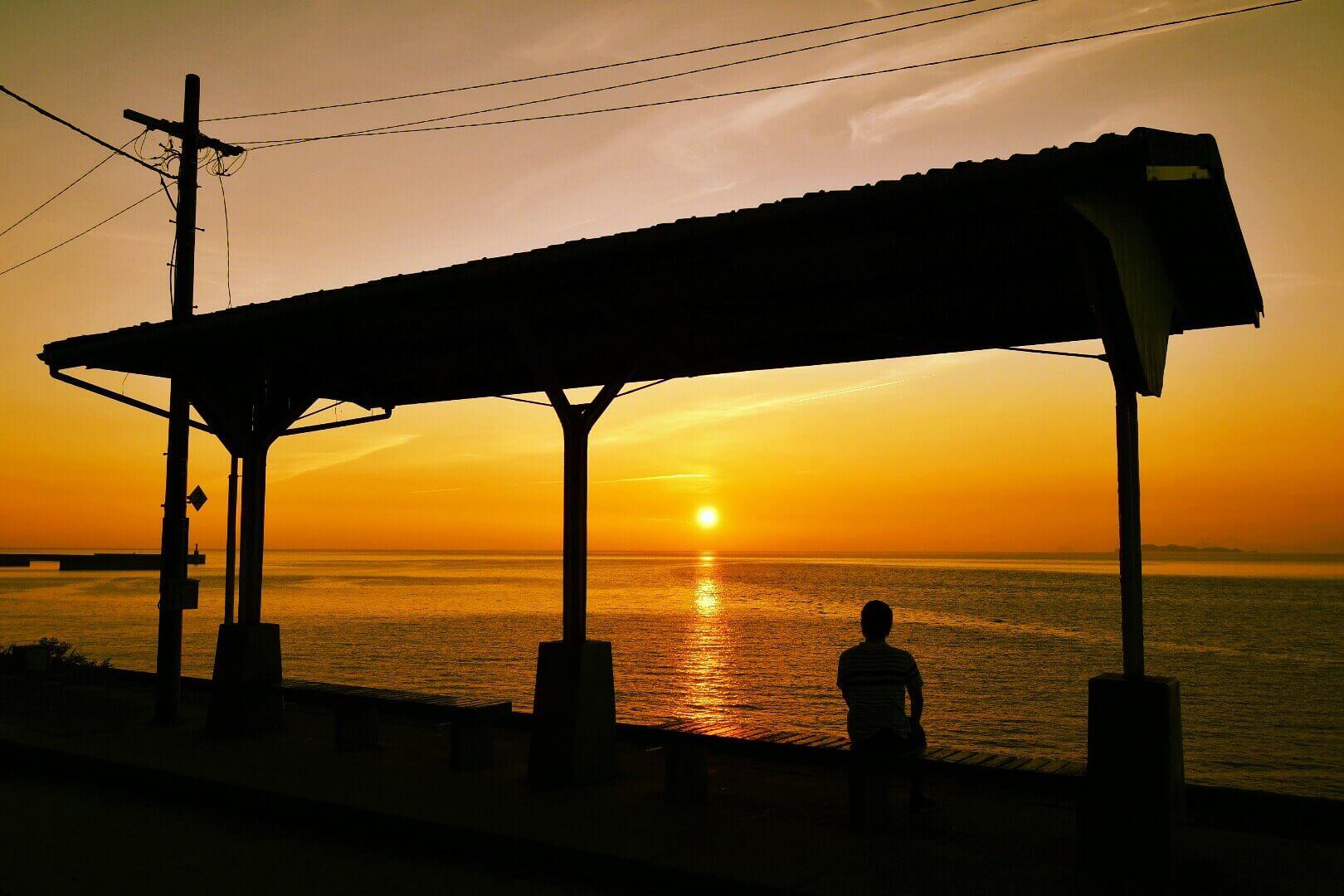 JR下灘駅の夕日