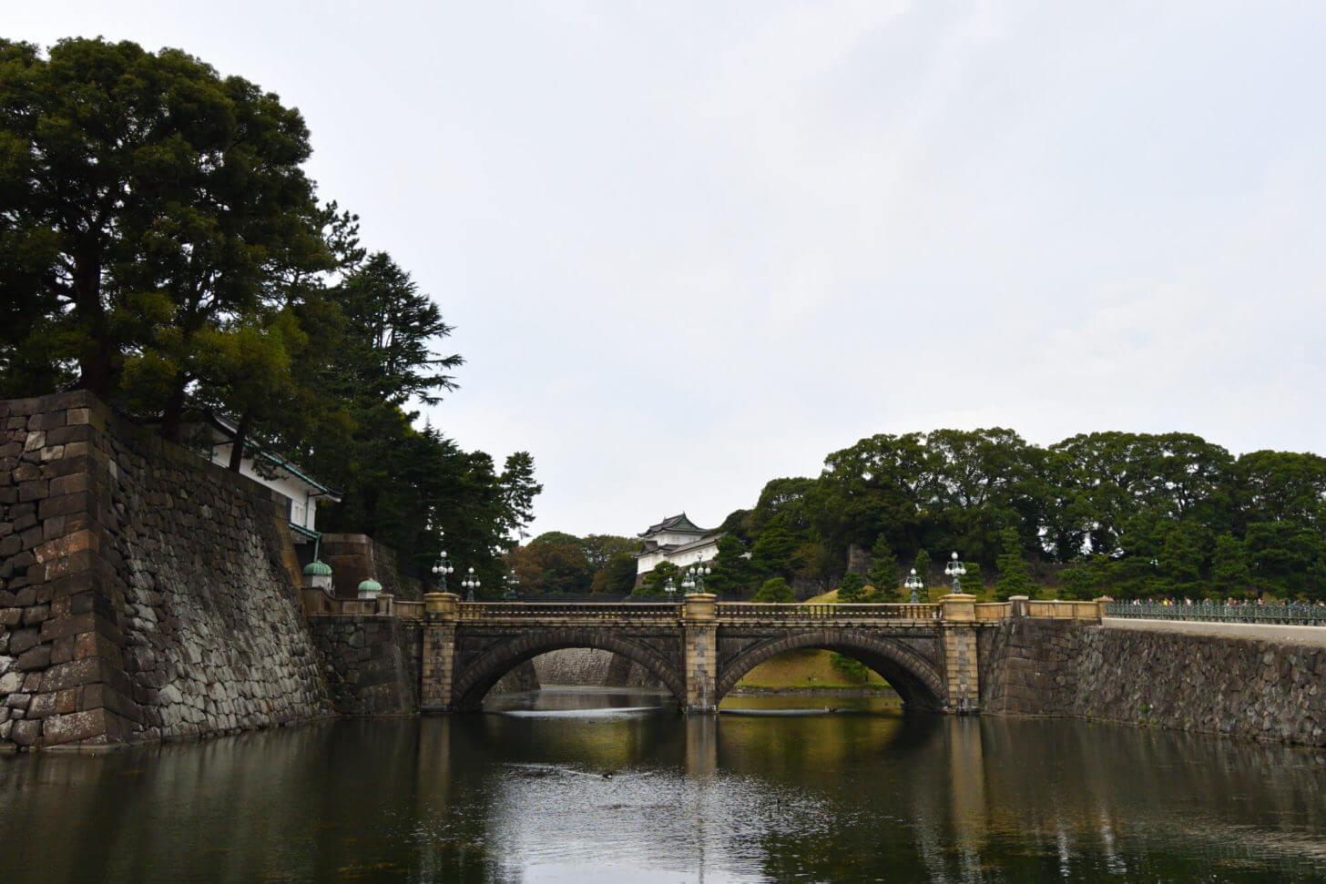 皇居外苑の正門石橋